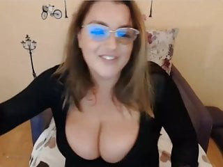 Milkykandy Show Her Big Tits And Big Ass