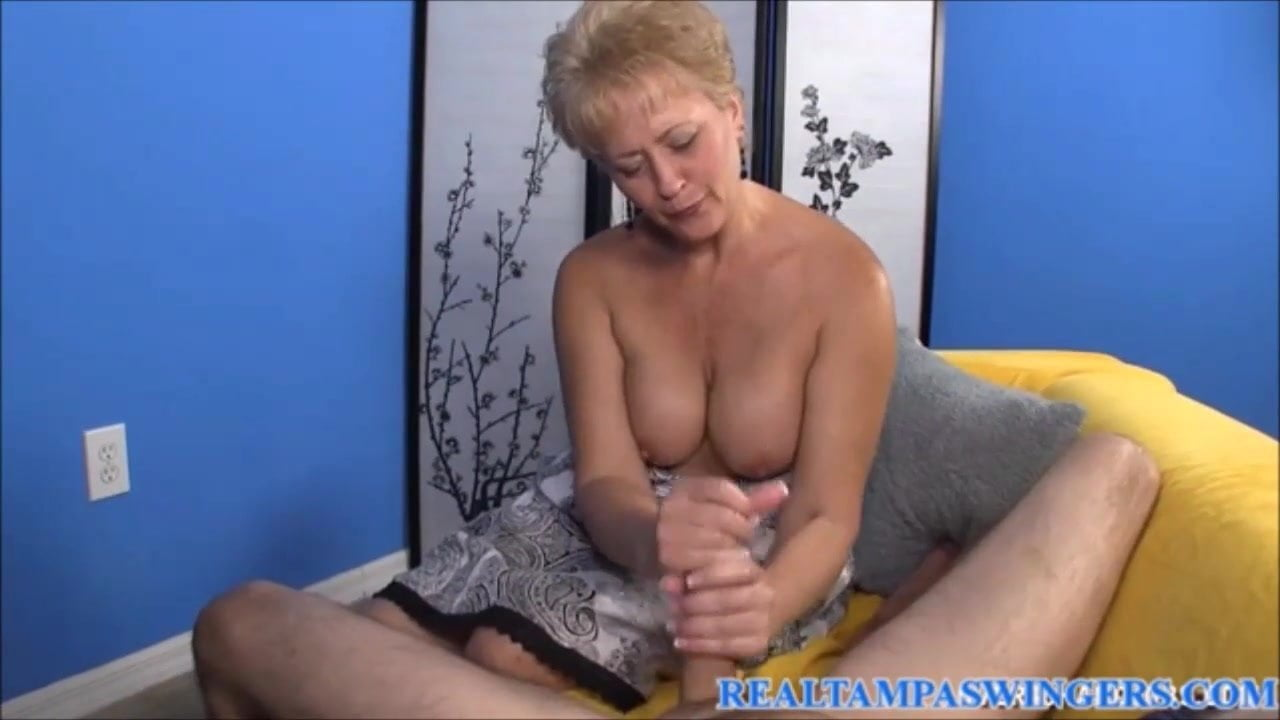 Adorable stepmom gets her pussy filled up with cum by her stepson