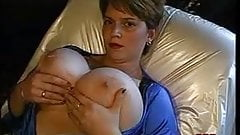 Grassouillette mature big boobs solo