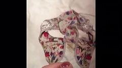 Quick dirty floral panties wank