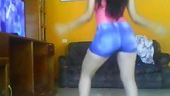 Carmen bailando