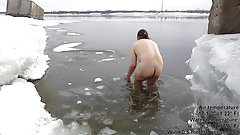 Swim with a long deep dildo (45 cm in ass) in ICE WATER! #3