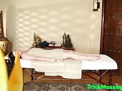 Massage loving babe tricked by her masseur