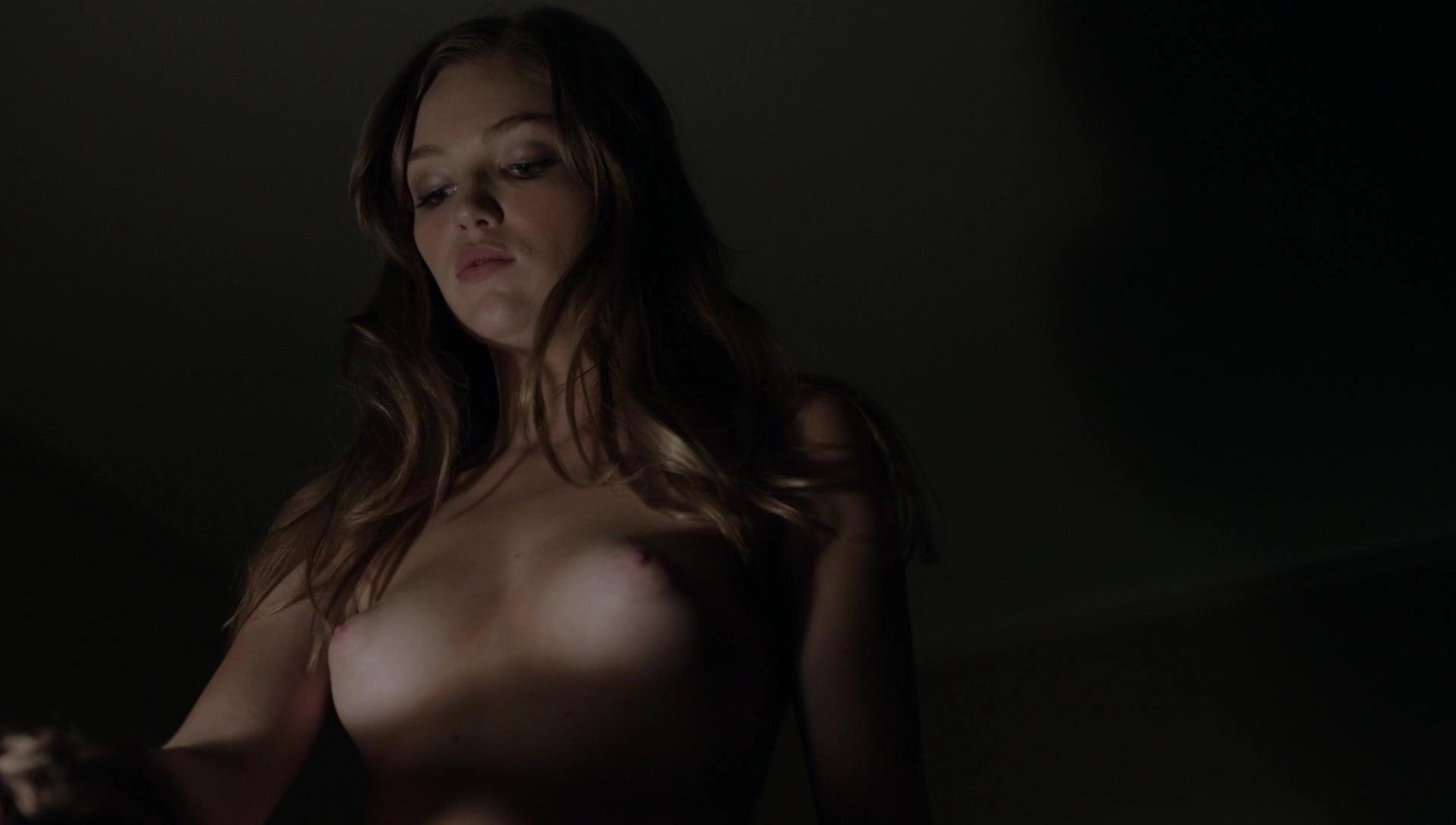Tania saulnier topless