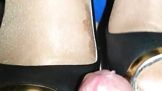 tease sexy soles toes and heelssss