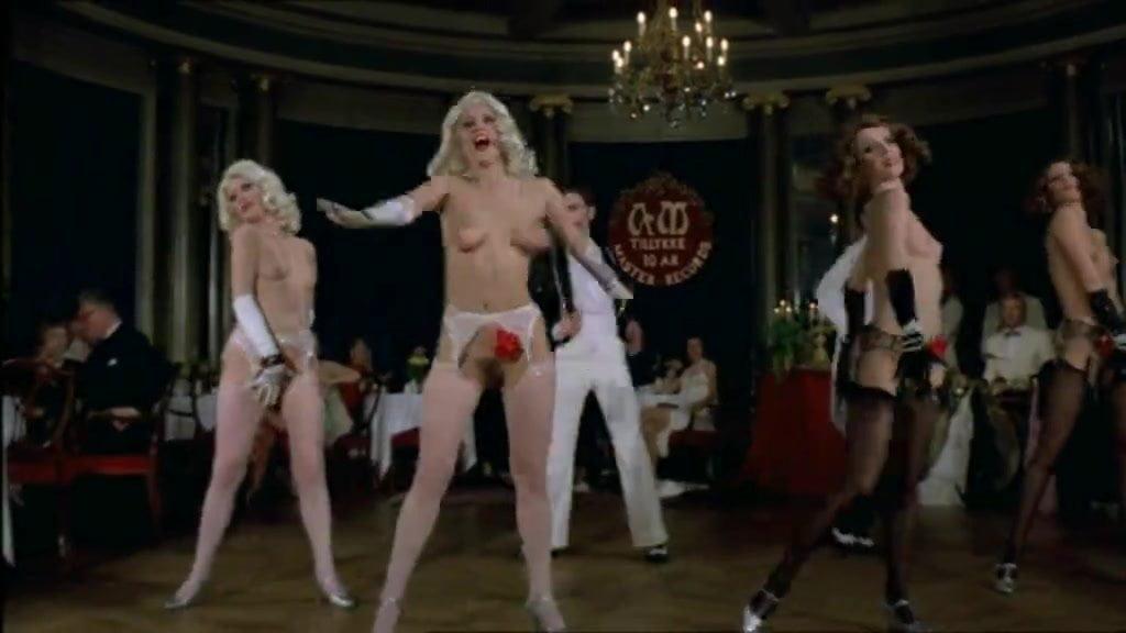 seks-tantsi-v-kabare-video-smotret-video-zhenshini-chastnoe-nyu