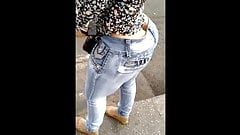 GOOD LAWD!! Big fat booty latina at the bus stop candid