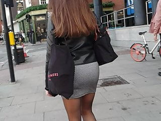 Sexy Ass in Skirt & Legs in Tights Candid