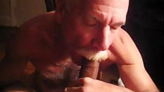 moustache daddy sucking a nice cock