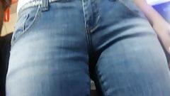 Nice MILF in jeans BG's Thumb