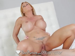 Brooke Tyler Shows Off Her Massive Tits Puremature