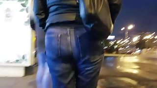 Chubby MILF's ass in the night
