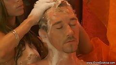 Masaje para su cuerpo con rubia babe