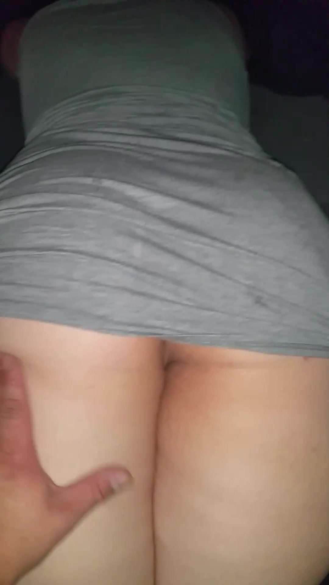 Bbw pawg wet puss rub in car