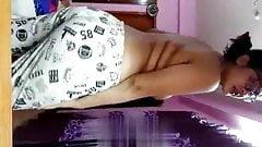 Desi Aunty stripping saree