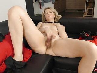 Diana V Eyes Wide Shut Masked Hairy Mature MILF Sex