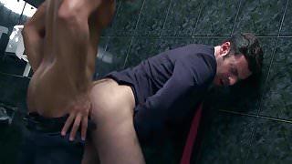 Bareback Toilet Sex