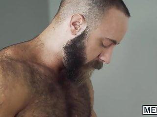 Cut muscular hunk pounding ass until he cums
