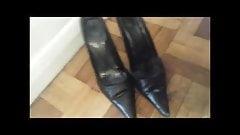 fuck and cum used black court heels