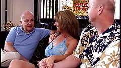 2 hotties gets their asses pounded