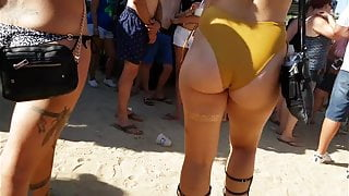 Candid nice ass in yellow one piece!!