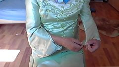 I tear my friend's evening dress  2
