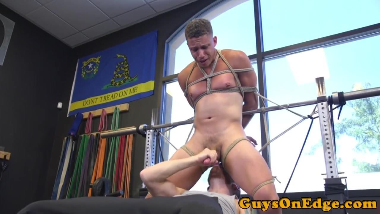 bdsm-weight-lifting-balls-competition
