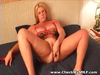 Check My MILF Plumpy amateur wife anal plug tricks