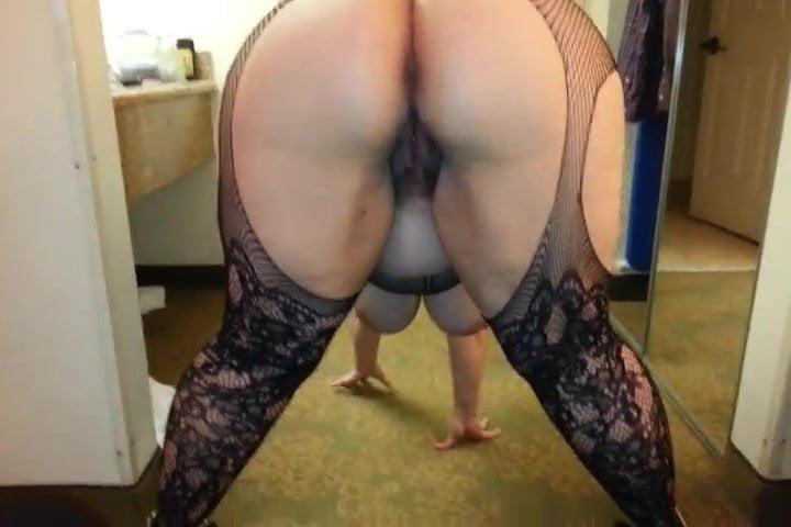 chubby bending over nude