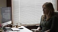 Sasha Alexander Shameless S05E09 Lip goes down on Helene