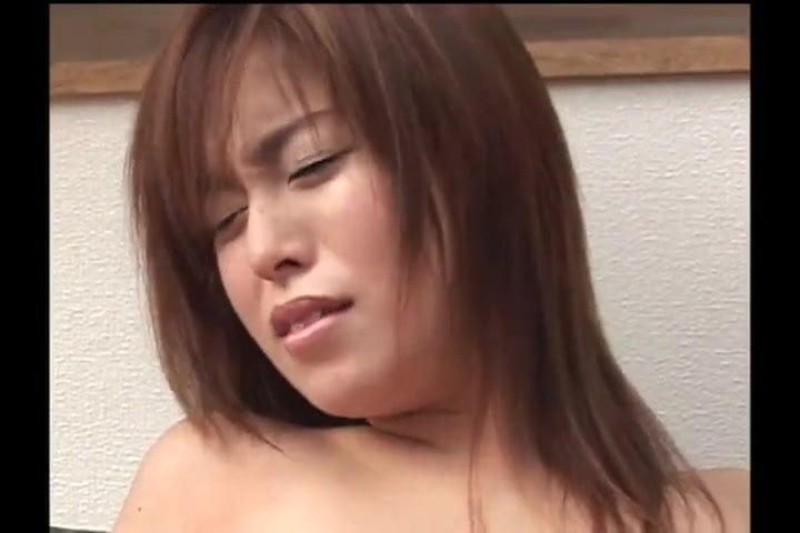 【無修正】制服女子高生にザーメンぶっかけ