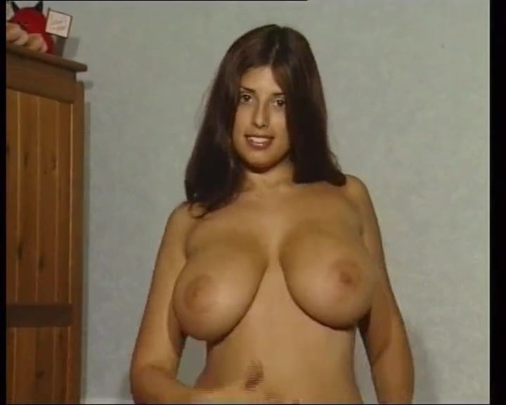 busty kerry marrie free porn