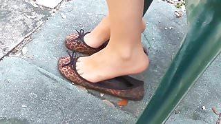 teen in flats shoeplay