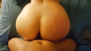 Juicy ass bouncin on big dick
