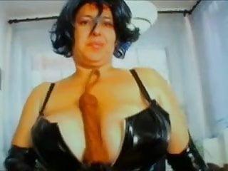 Download video bokep Mistress Kaya Mp4 terbaru