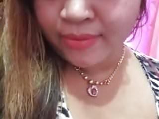 Download video bokep tante berliana pamer toket sexy1 Mp4 terbaru