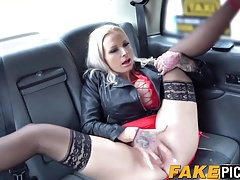 Hot Michelle Thorne licks Sophie Anderson in the car