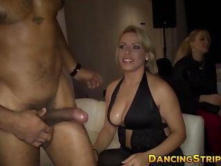 Amateur Chicks Watching Babes Sucking Hard Stripper Cocks