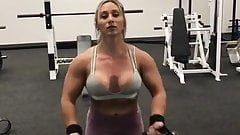 amazing  muscle  busty  lady