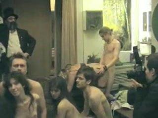 Pussy riot секс в музее