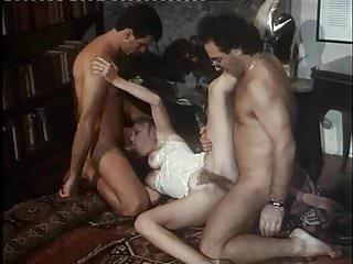 Moana.Pozzi making DP in La Donna dei sogni (1993)