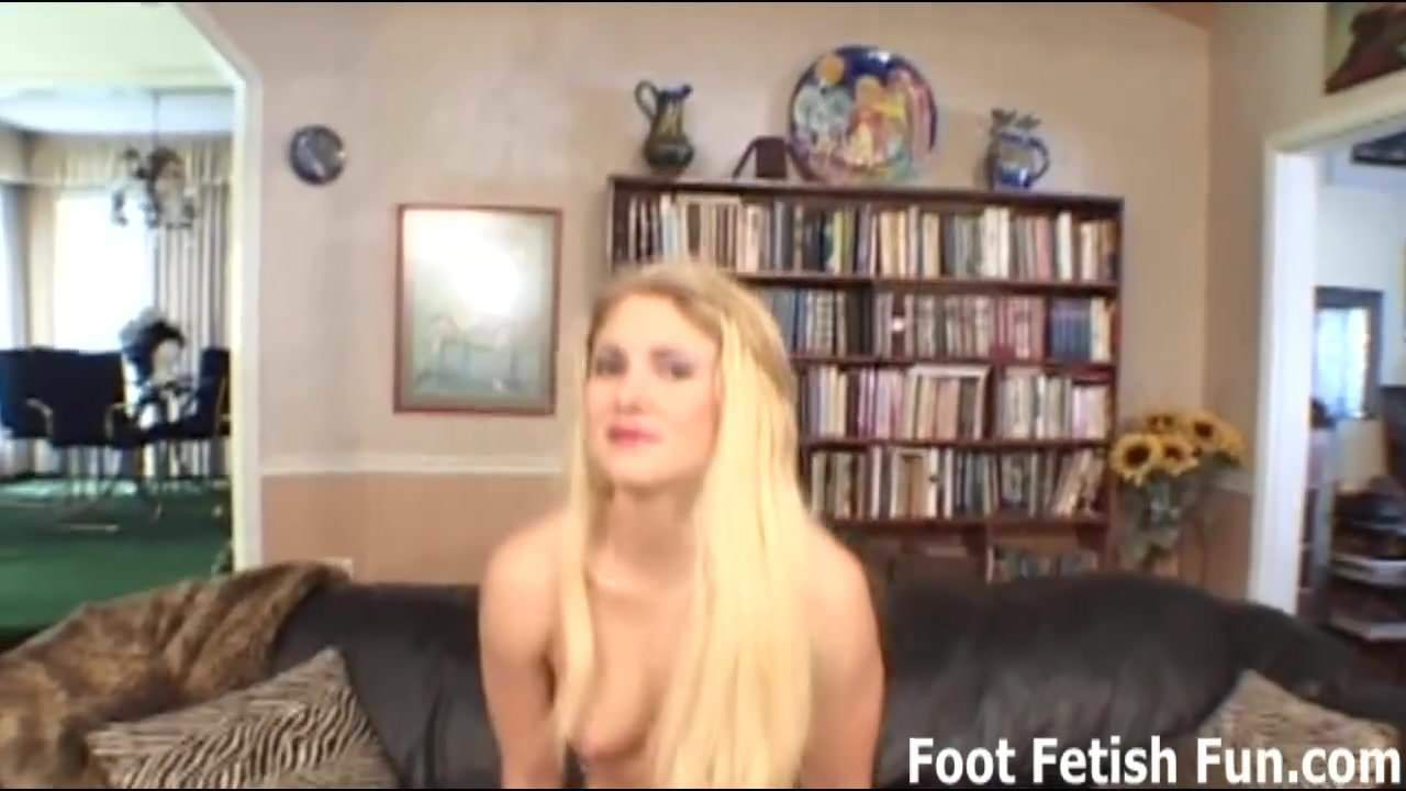 A footjob from my perfect feet is your reward