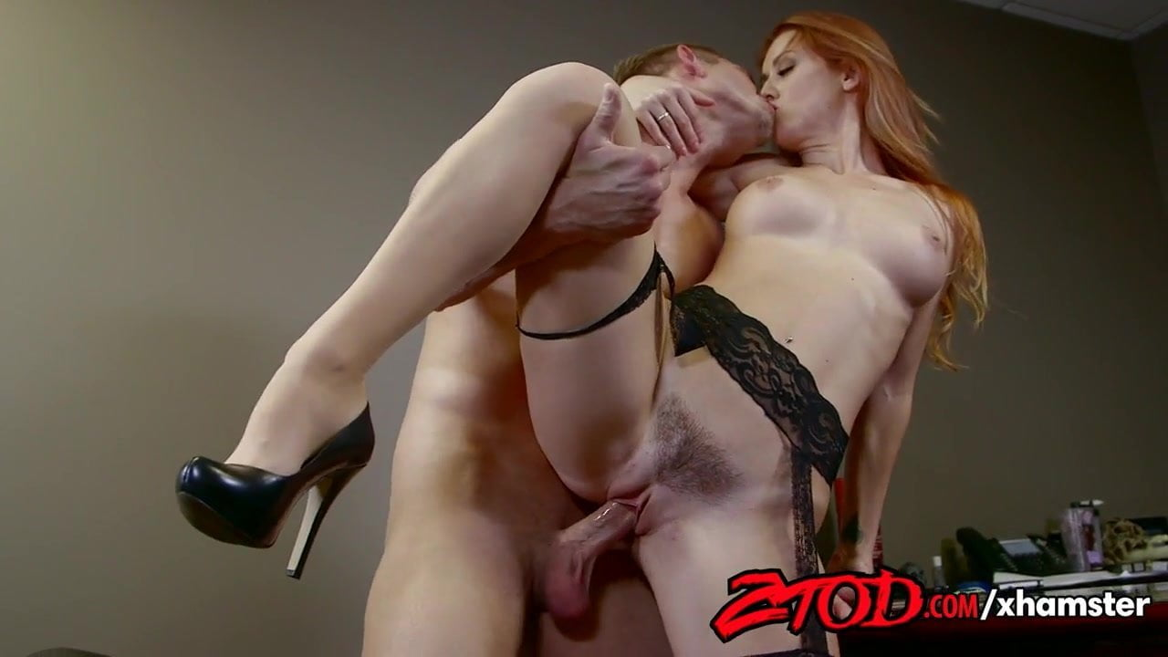 Juicy onion booty stevie shae gets her ass eaten-4932