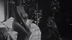 Busty Paula Page Posing Naked (1950s Vintage)