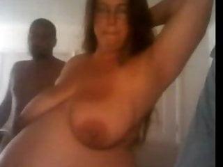 Download video bokep Pregnant babe plays console and sucks cock Mp4 terbaru