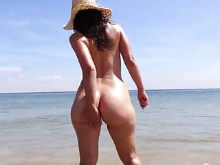 Bubble Butt Yr Old Girlfriend Having Nude Fun At The Beach