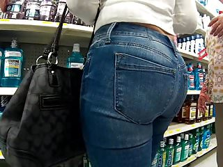 Sexy ass Latina tight jeans