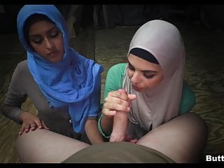 Amateur Hijabs Suck Dick together