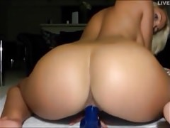 Blonde Booty Webcam
