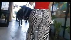 candid jiggly milf booty loose pants